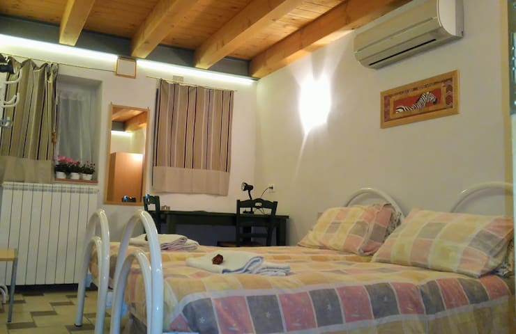 Economy country room with private bath Trieste