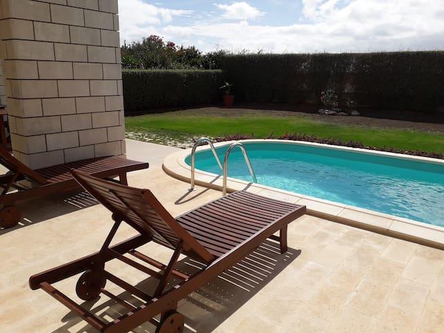 Appartamento in villa con piscina privata