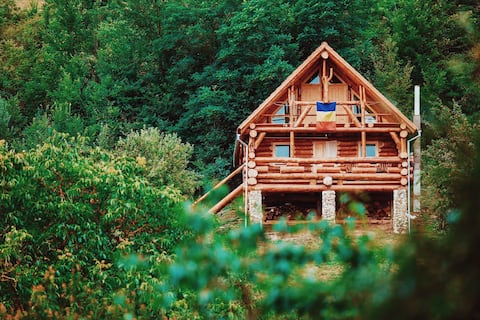 Transylvania's Heaven Log Cabin  ★ Self Check-In ★