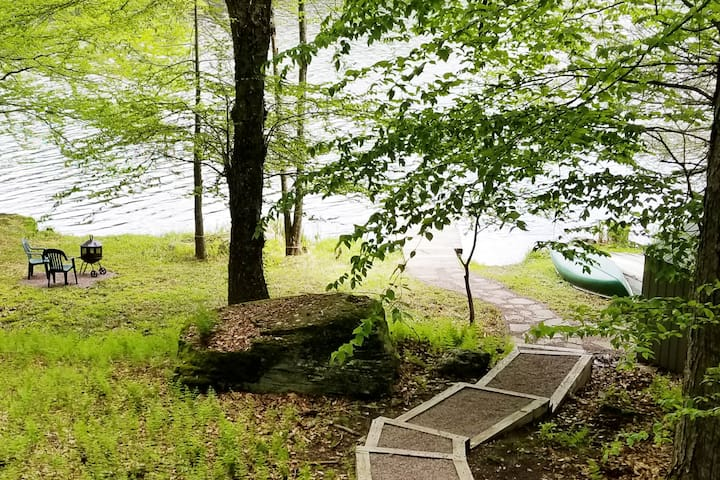 Lake house in Pocono Resort The Hideout 3 bdr+lft
