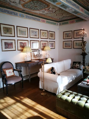 The master suite in Fiesole