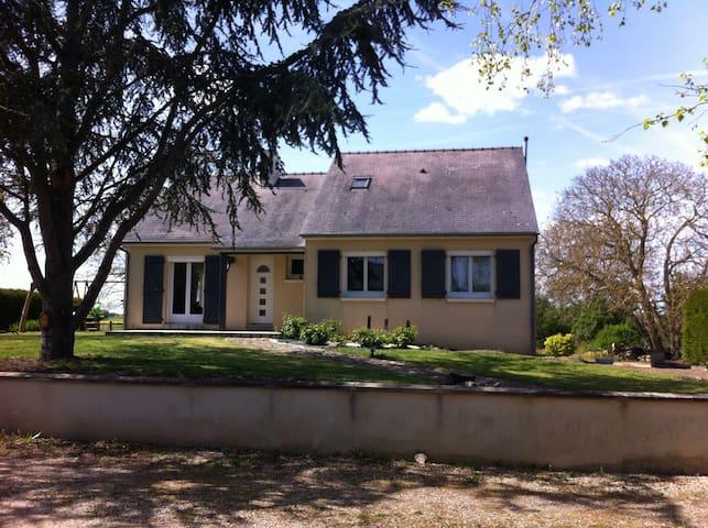 Maison au calme - Brigne - Casa