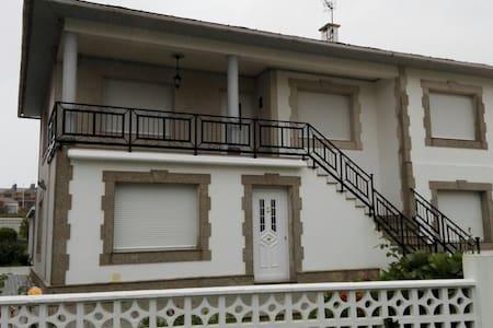 Piso en chalet privado - O Porto de Espasante - Talo