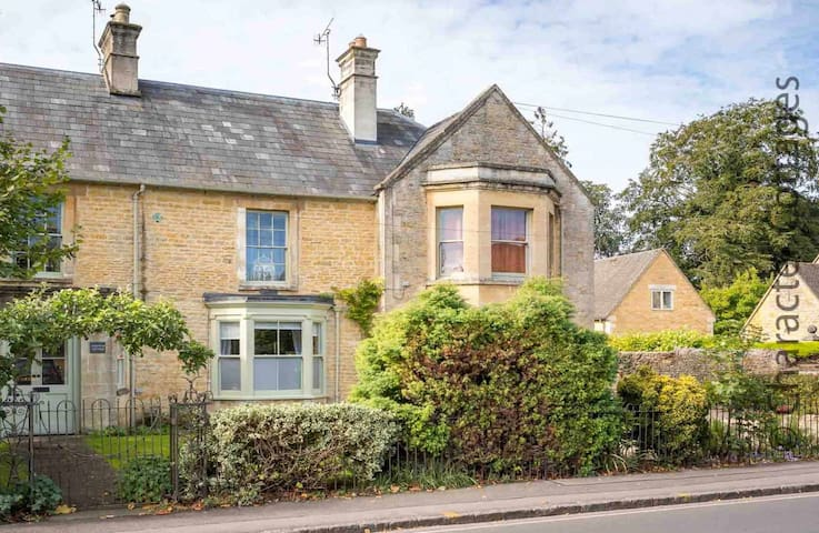 Welcome to The Old Coach House, a beautiful property in the heart of Bourton-on-the-Water