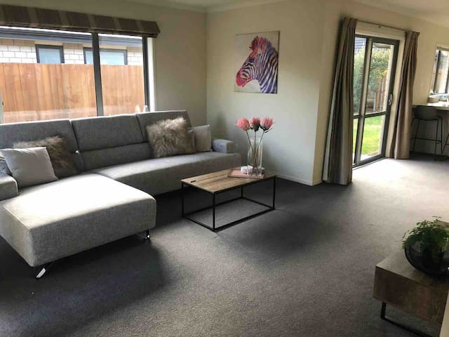 Cozy Home in nice and peaceful  Wigram area Room 1