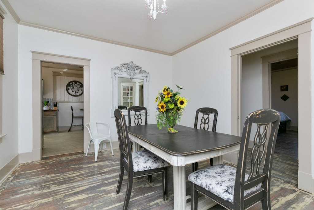 Spacious Dining room for family dinners