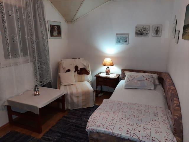 Small Farm/Homestead Nani -Room One