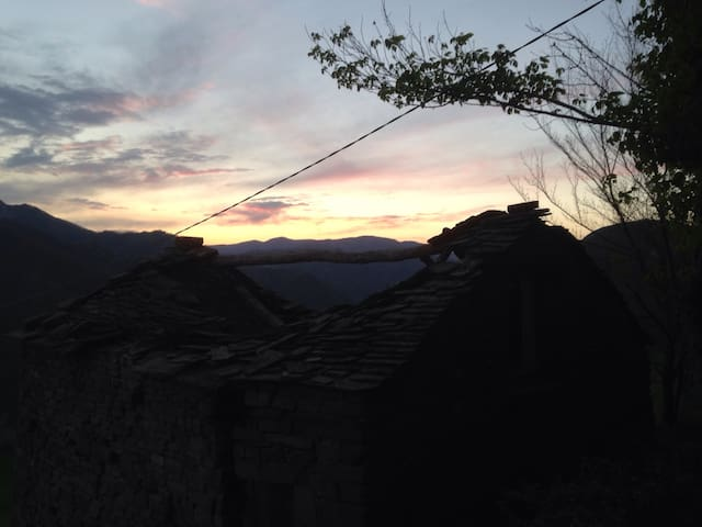 Casetta in collina toscana - Firenzuola  - Casa