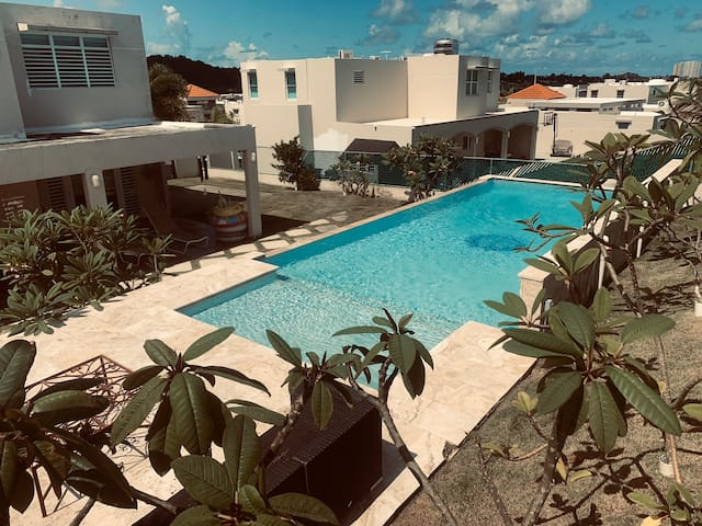 4 Bedrooms w. Private Pool | #LuquilloPoolHouse