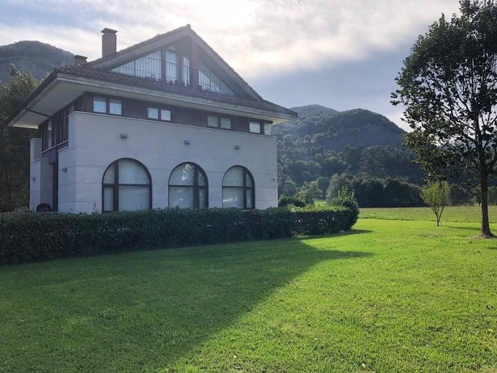 Villa de lujo para 10pers en Liendo. Zona rural.