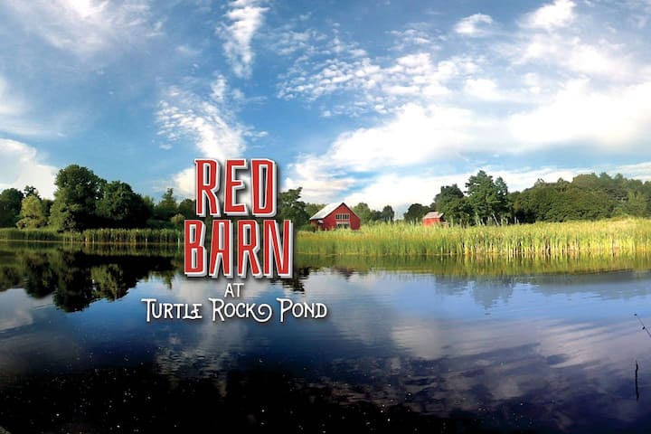 Red Barn at Turtle Rock Pond - Historic Hyde Park