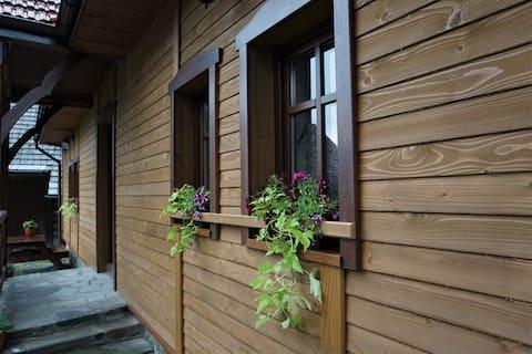 Chata pod Mogielicą dla 7-8 osób, 70km od Krakowa