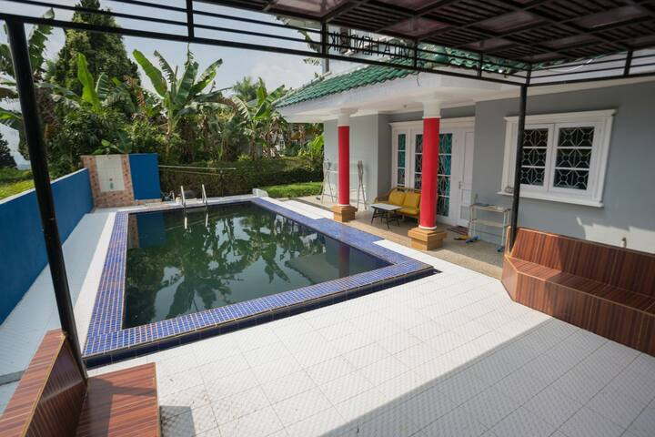 Villa pavilion 5 kamar kolam renang ciloto puncak