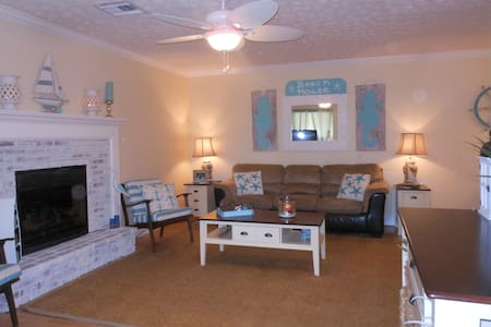 3 bed/3bath, 1 mile from Beach, Newly redecorated - Hobe Sound - Ház