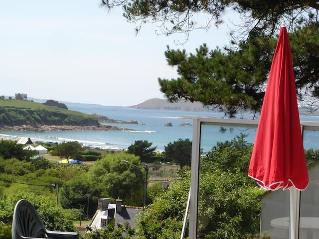Maison de Pêcheurs 250 Plage Magnifique vue Mer - Trévou-Tréguignec - House