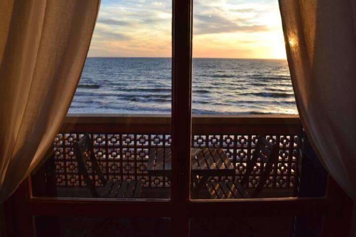 Fronte Mare, Bilocale con vista mozzafiato