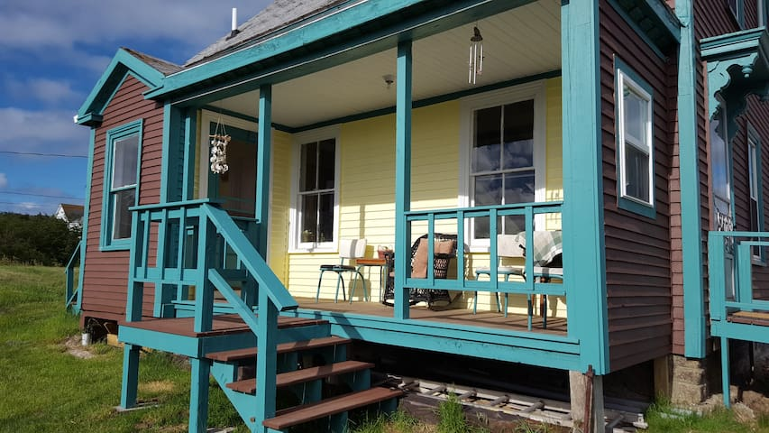 Kelly Lodge, Island Paradise, Gorgeous Views - Beals - Hus