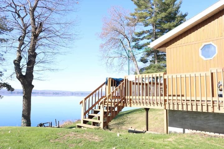 Golden Lake Cottage- Great Swimming!