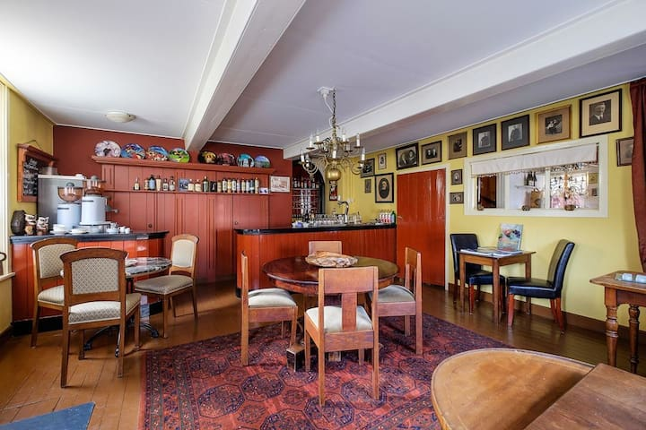 Herberg uit 1760 uniek logeren van 2 tot 6 pers - Kloosterburen - Дом