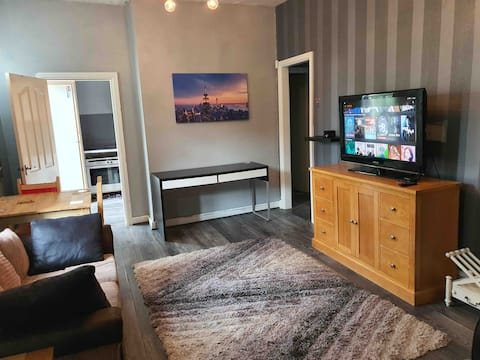 Spacious Flat in Shaw, Oldham