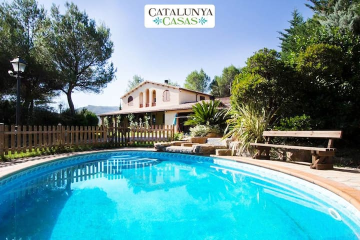 Catalunya Casas: Five-bedroom villa in Vacarisses for 11 people just outside of Barcelona