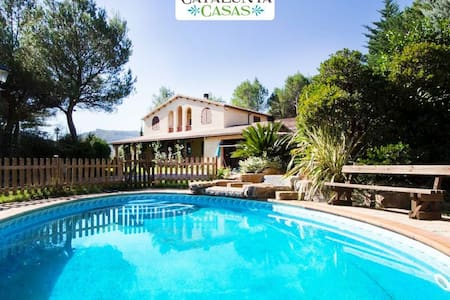 Five-bedroom villa in Vacarisses for 11 people just outside of Barcelona - Barcelona Region