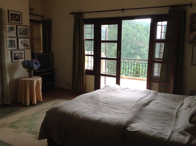 Double sharing room - God's Own cottage - Sukha - House