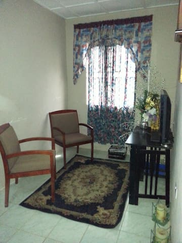 The Viassity Guest House (Rm 2) - Waterloo - Bed & Breakfast