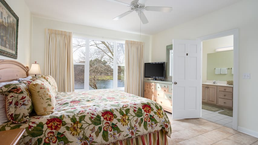 25% OFF for 2019! Steps to Village of Baytowne Wharf - Lake Views