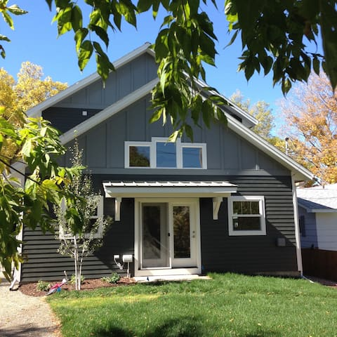 Old West-New Home 3-BR, 3-blks to Historic Main St - Bozeman - Hus