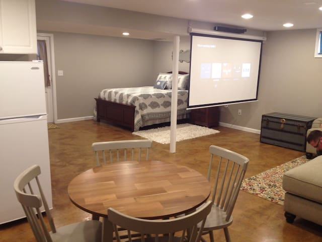 Private Studio, Private Entrance - Louisville - Daire