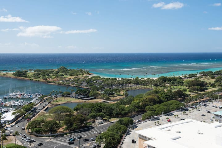 Hotel Type 21th Floor Ocean View! Ala Moana(AH10)