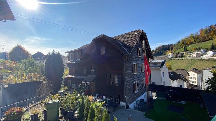 Schöne Holzhaus Wohnung in der Nähe von Luzern