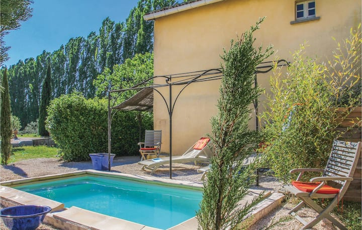 Amazing home in Pont Saint Esprit with WiFi and 2 Bedrooms