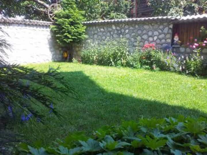 Семейна къща Лалеви /Family House Lalevi/