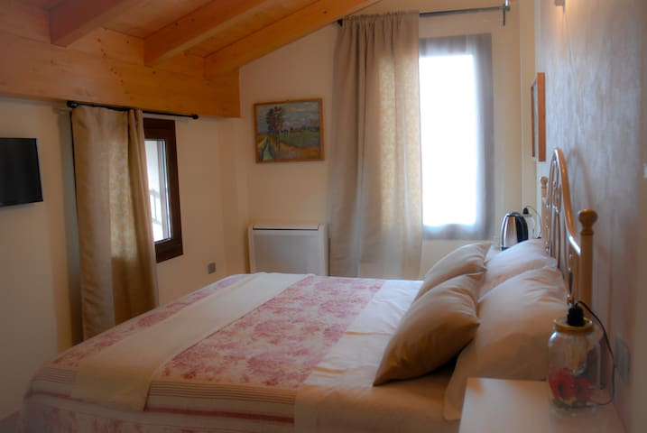 "Art Gallery B&B Camera ""Campagna"" H00530"