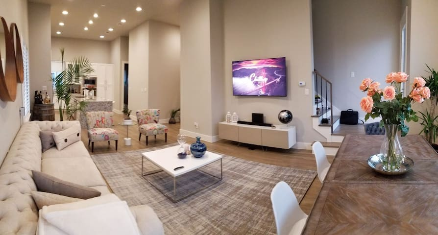 Uptown New Luxury Townhome 3br w Stunning Rooftop!