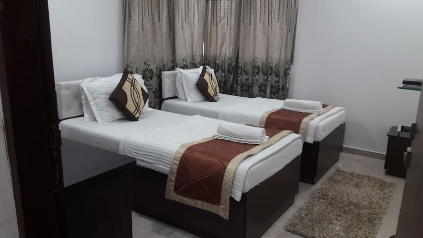 Deluxe room nr Powai with AC & Wifi