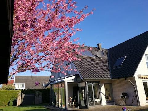 Helles, gemütliches Zimmer mit Bad im Münsterland
