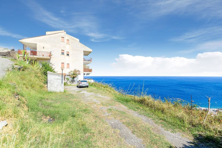 Seaside Holiday Home in Letojanni near City Center