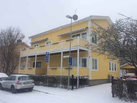 Gävle Centrum - Lägenhet 30kvm i Källarplan.