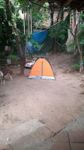 Camping detrás de la iglesia de San Pedro Pochutla