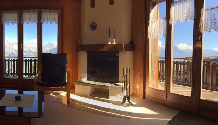 Schöne 2  1/2-Zimmer-Wohnung + traumhafte Aussicht