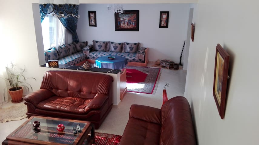 In the Heart of Tangier Tourist Area ! - Tangier - Apartment