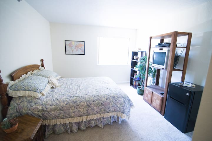 Central location to SF, Sac and 20min to Napa - Benicia - Apartment