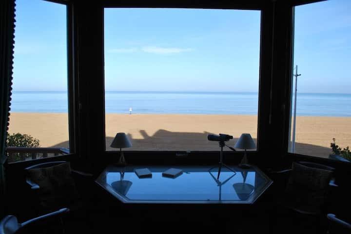 Villa en Front de Mer,  Accès direct sur la plage