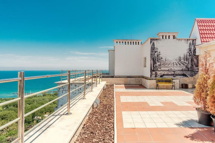 Penthouse with terrace and beautiful sea view