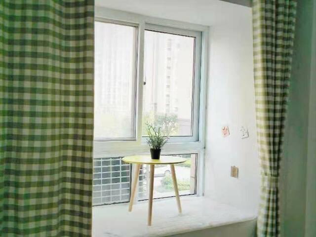 清新脱俗的卧室飘窗
