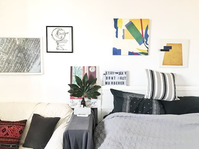 位于市中心设计师的家/ stylish designer's apt in downtown