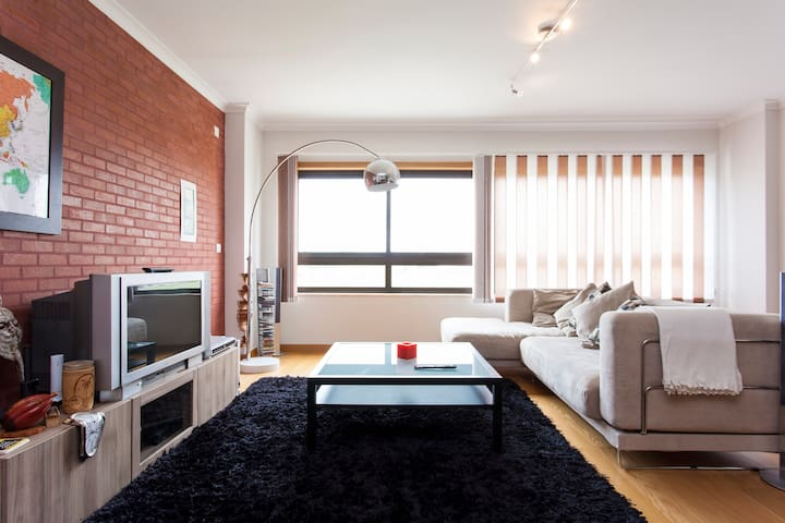 Lisbon Beach & City Apartment-3 Bedrooms